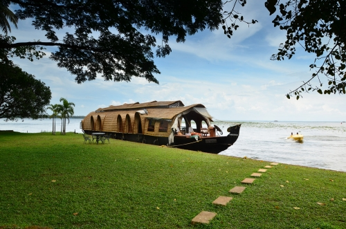 Kerala the Land Blessed With Complex Backwaters Housing the Best Ayurvedic Centres