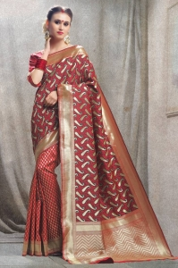 Shop Kanchipuram silk sarees from Mirraw at an Affordable prices.