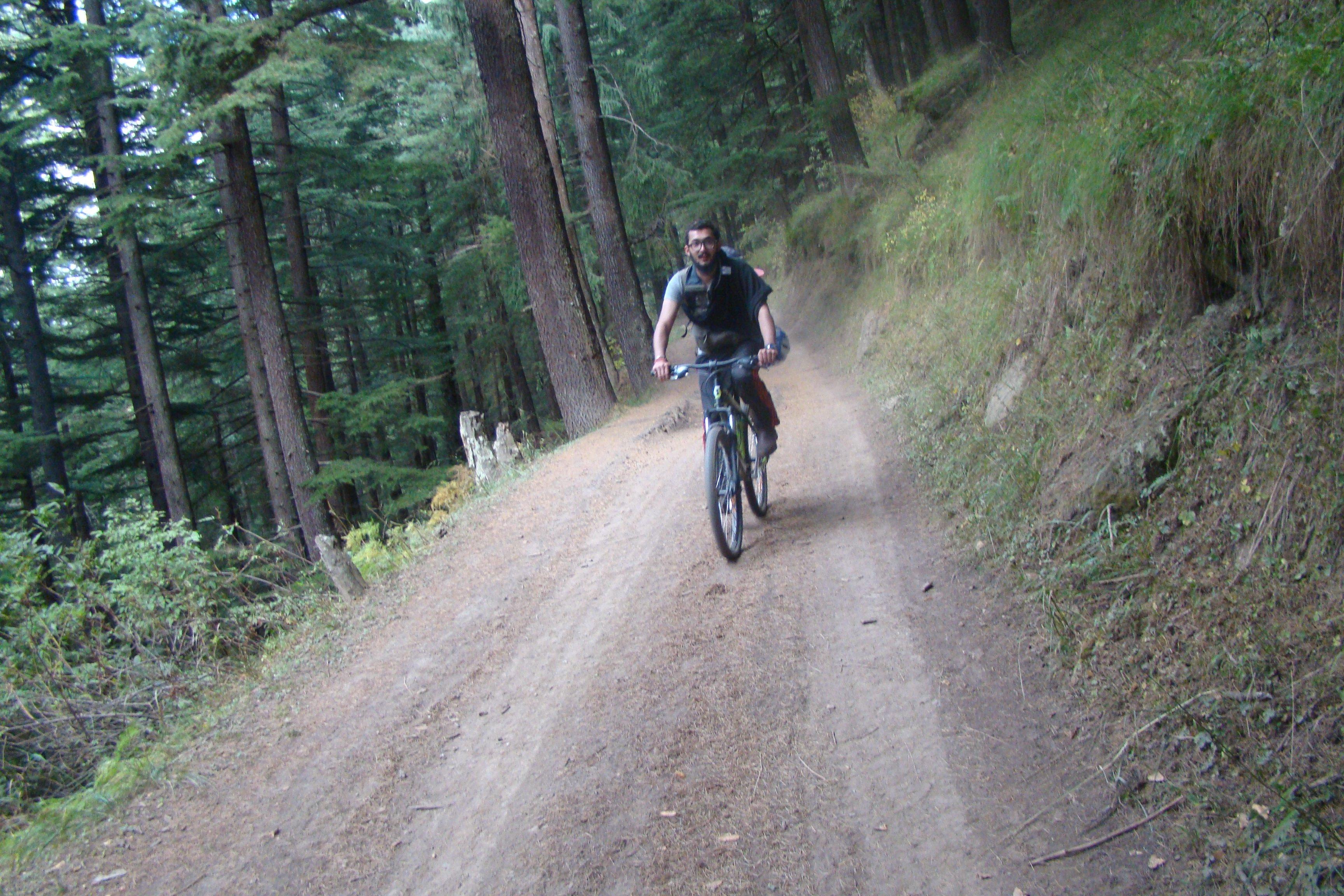 Bijali Mahadev Cycling, Kullu, Himachal Pradesh, India