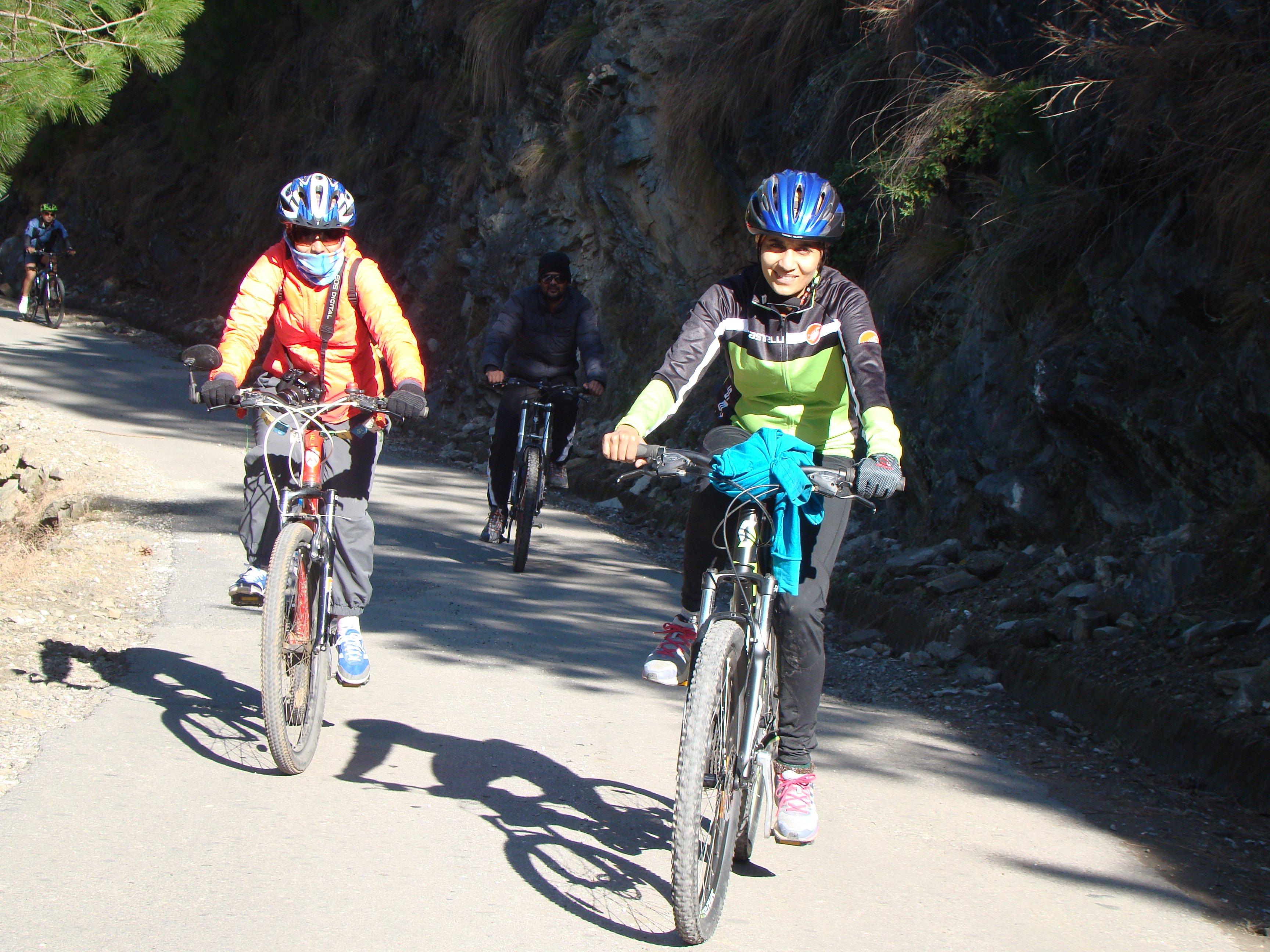 Manali Cycling, Kullu, Himachal Pradesh, India