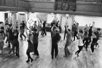 Learn SALSA DANCE in 2019! SalsaCrazy Mondays Salsa Lesson Dance Party