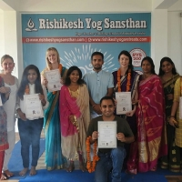 100 Hour Beginner Yoga Teacher Training In Rishikesh